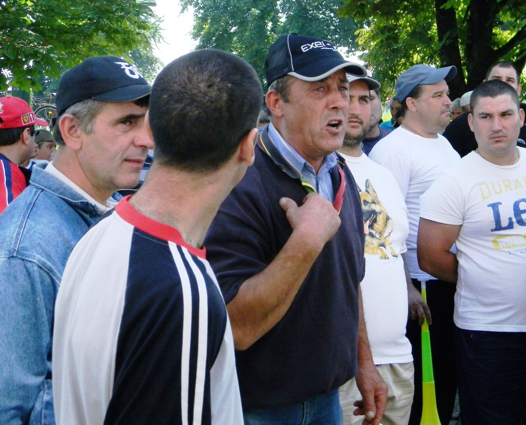 proteste otelu rosu 6