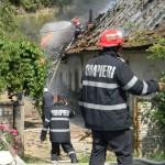 Case în flăcări la Sadova Veche