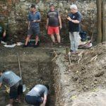 La Caransebeş, patru schelete aşteaptă să se facă dreptate!