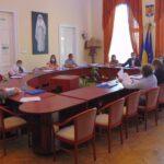 Pe ultima sută de metri, Consiliul Local Caransebeş a dat bani spitalului