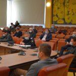 Despre drumuri, pensii şi inundaţii, în şedinţa Colegiului Prefectural