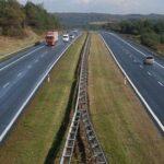 Drum expres sau autostradă pe lângă Caransebeş?